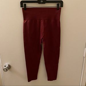 Fabletics Red Maroon Cropped Yoga Pants